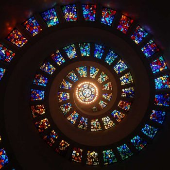 stained-glass-1181864_800-350x350